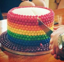 1 Tier Skittles Rainbow Cake